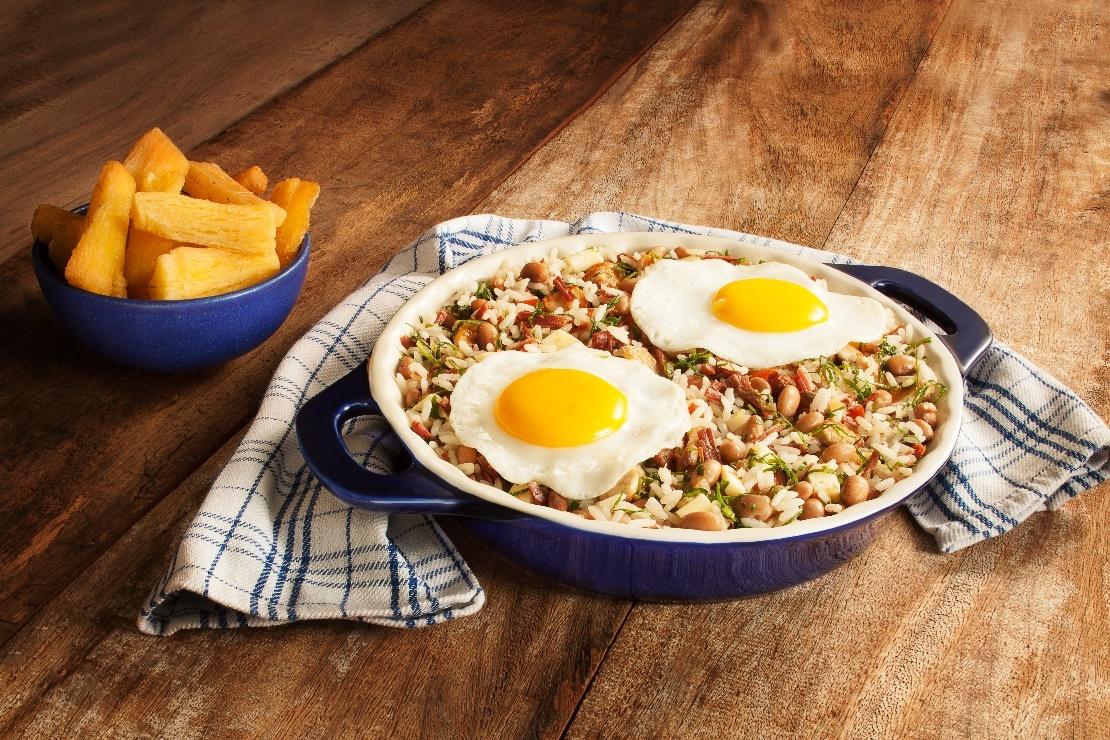 A mais deliciosa receita de mexidão de arroz com feijão, reaproveitando as sobras